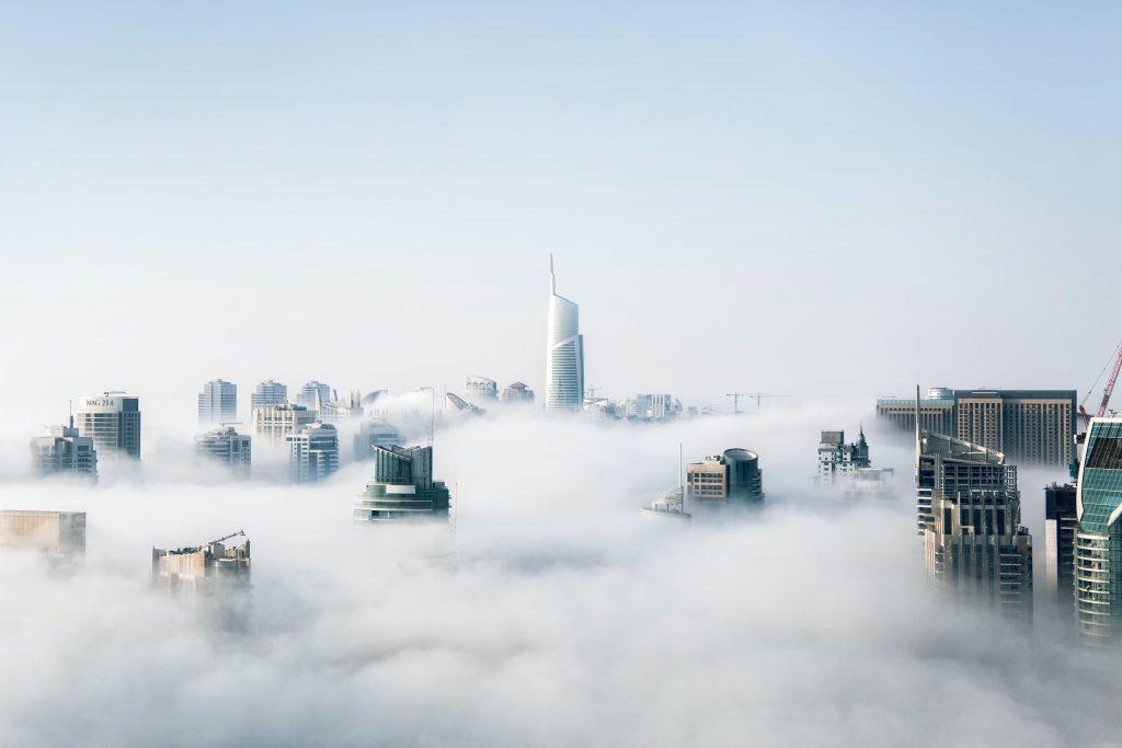Edificios en las nubes